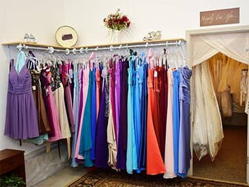 Discount wedding dresses gowns in troy mo le rae bridal for Wedding dress resale st louis
